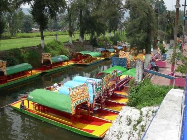 Almuerzo en las trajineras del Lago de Xochimilco