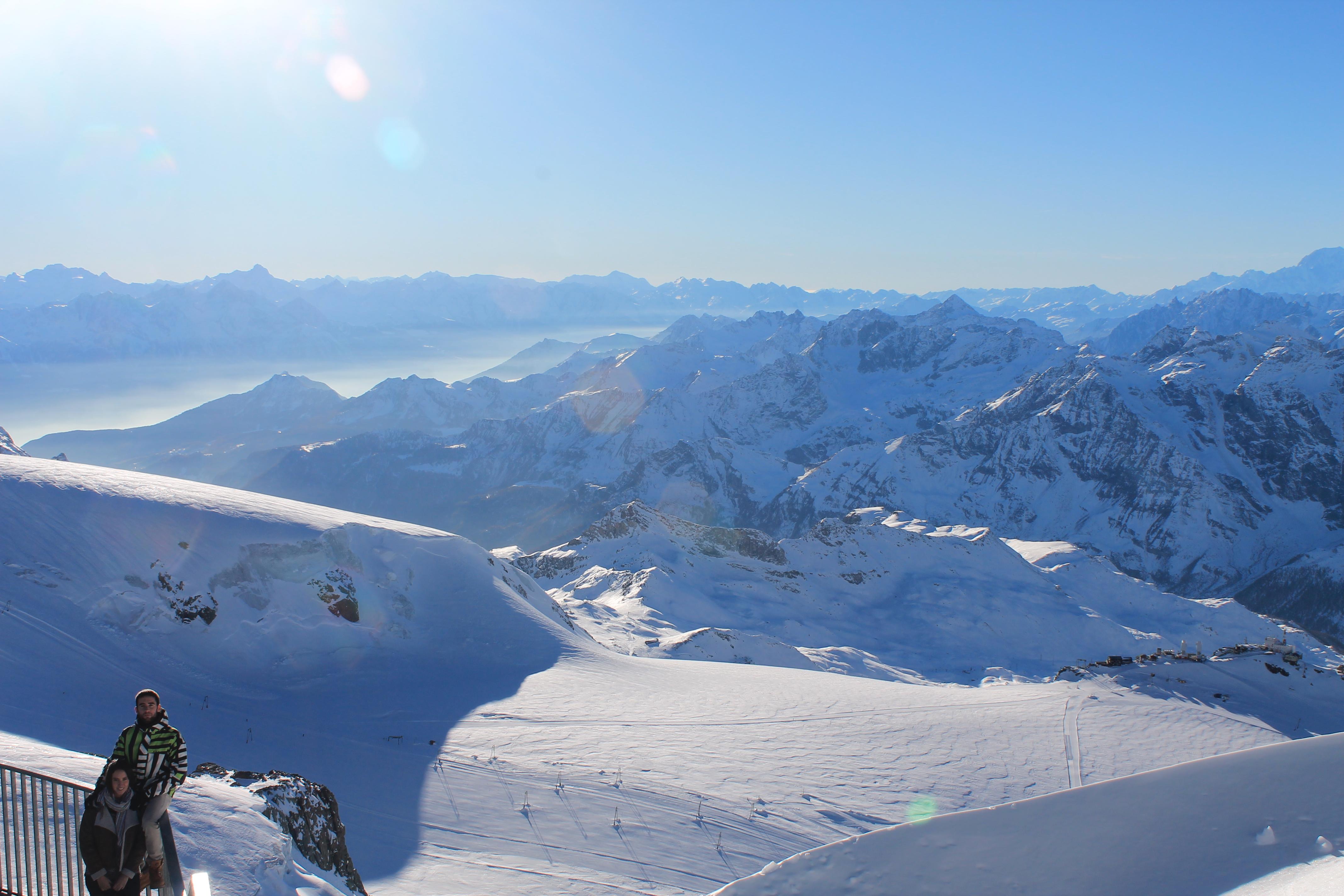 Los picos de los Alpes desde el Klein Matterhorn