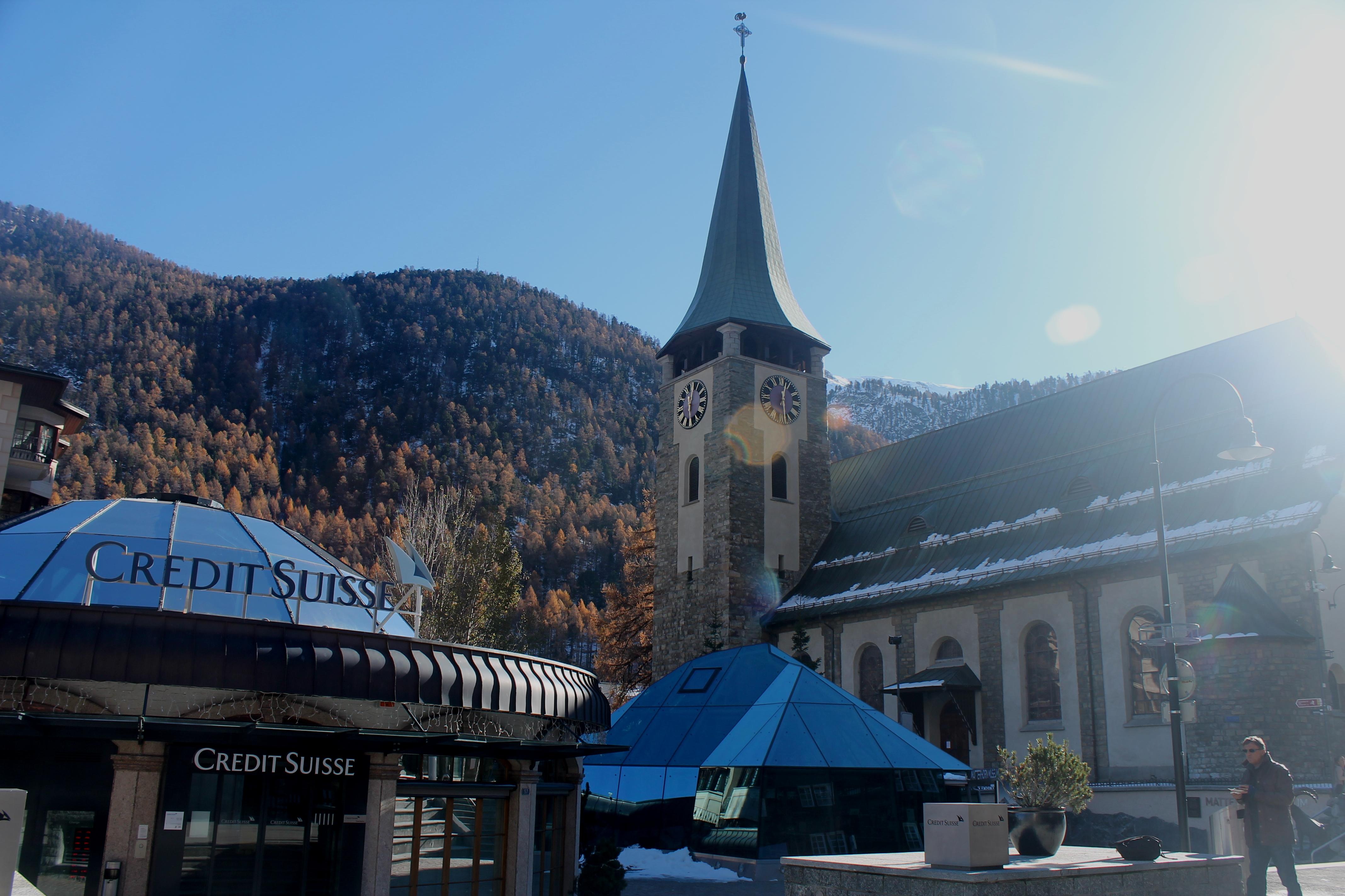 Iglesia de Zermatt, en los Alpes suizos