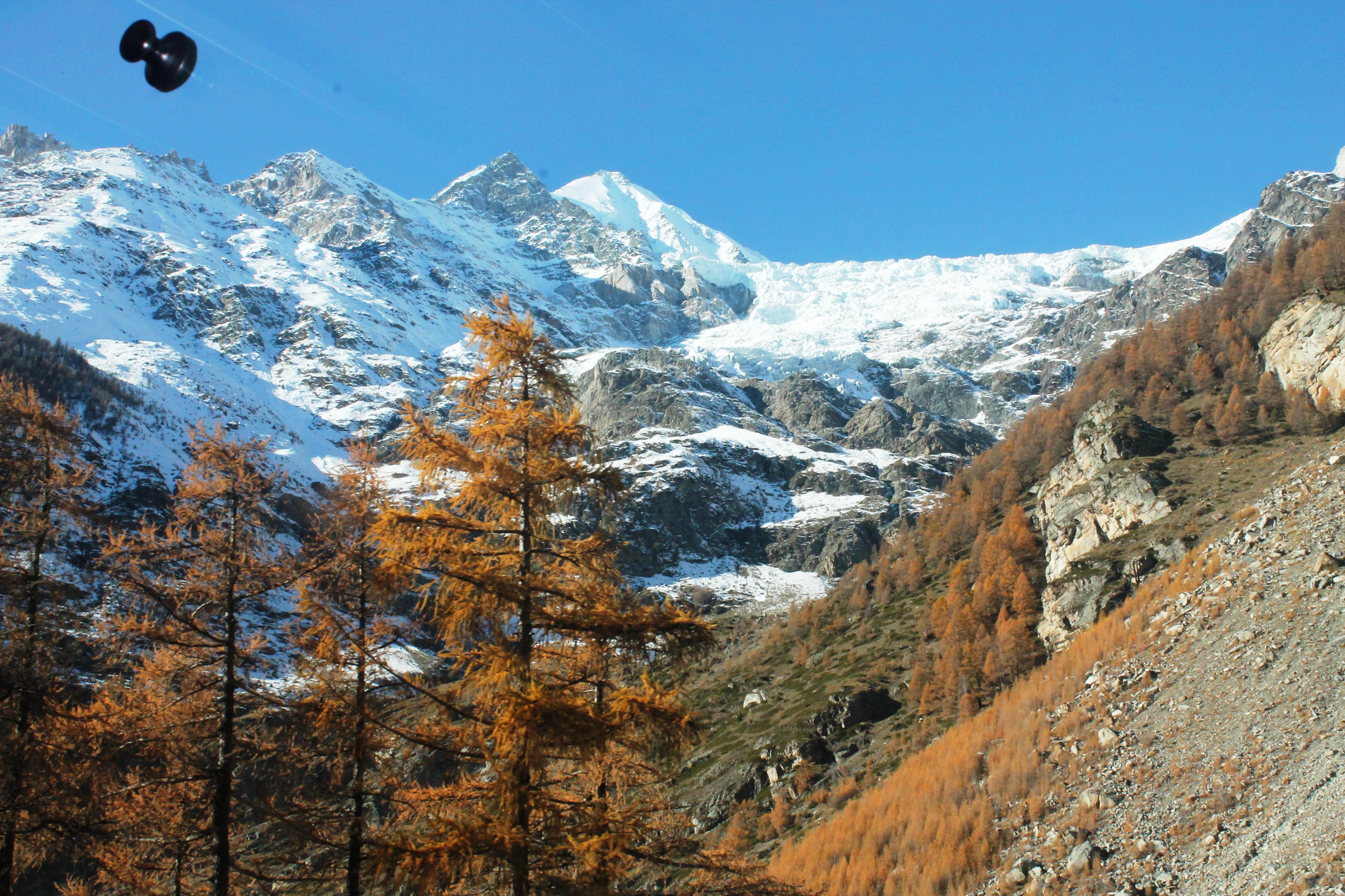 Paisaje que rodea Zermatt desde el tren cremallera
