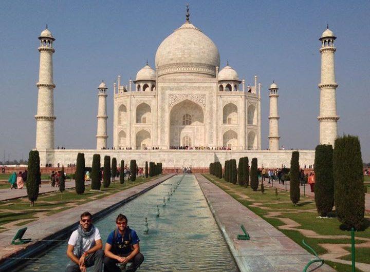 En una de las 7 maravillas del mundo moderno, el Taj Mahal