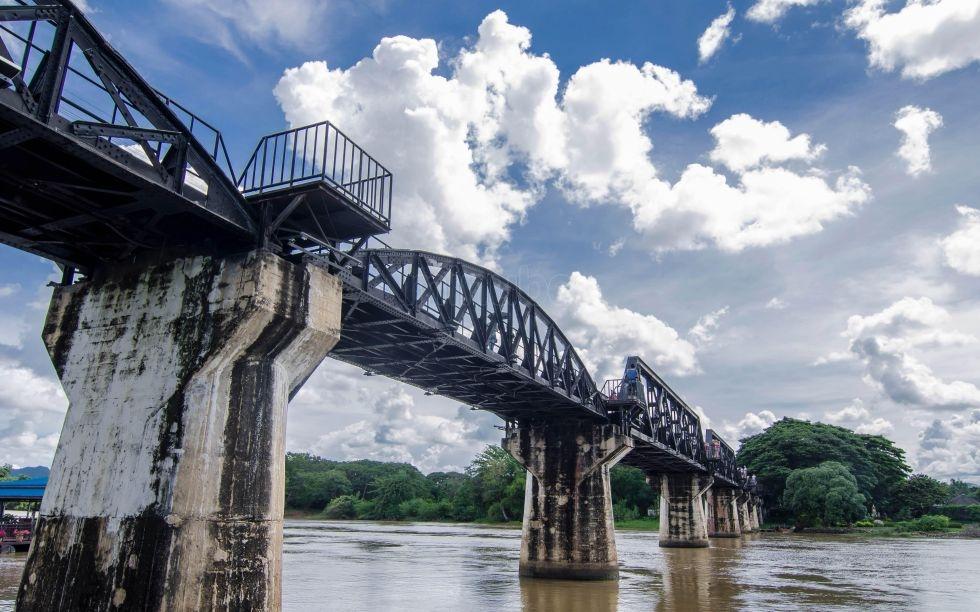 El puente sobre el Rio Kwai de Kanchanaburi (Tailandia)