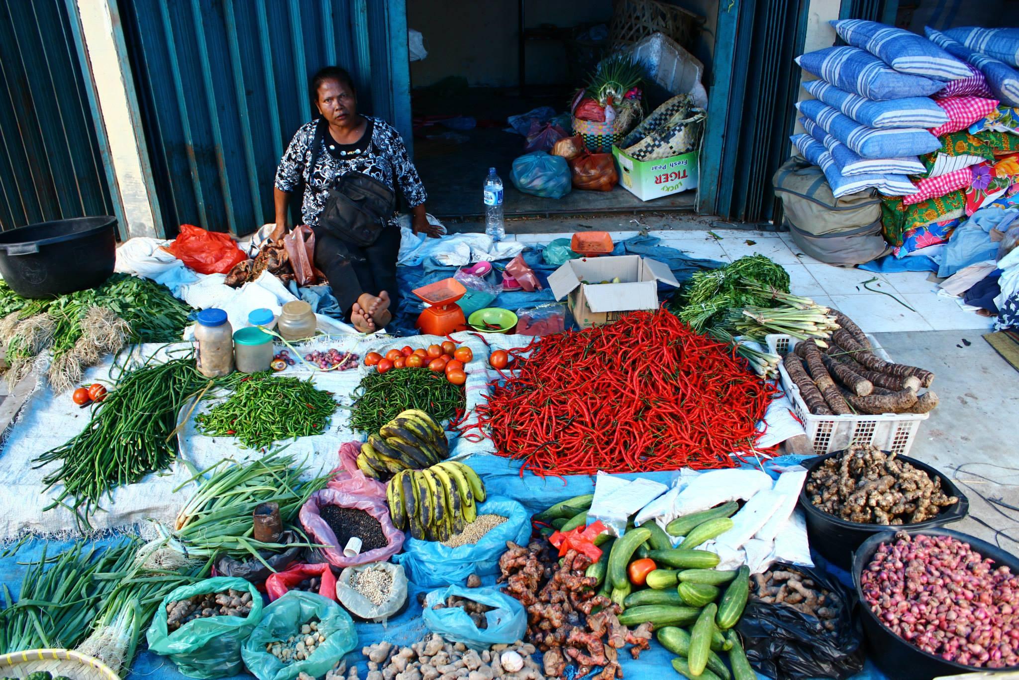 Local Market Lake Toba