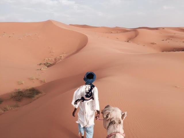 Paseo en camello por Merzouga, donde se encuentra el desierto de Erg Chebbi