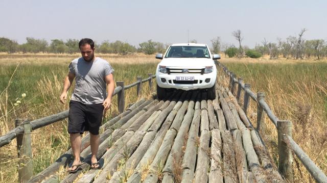Rumbo a la civilización a bordo del remendado Ford Ranger (Botsuana. África)