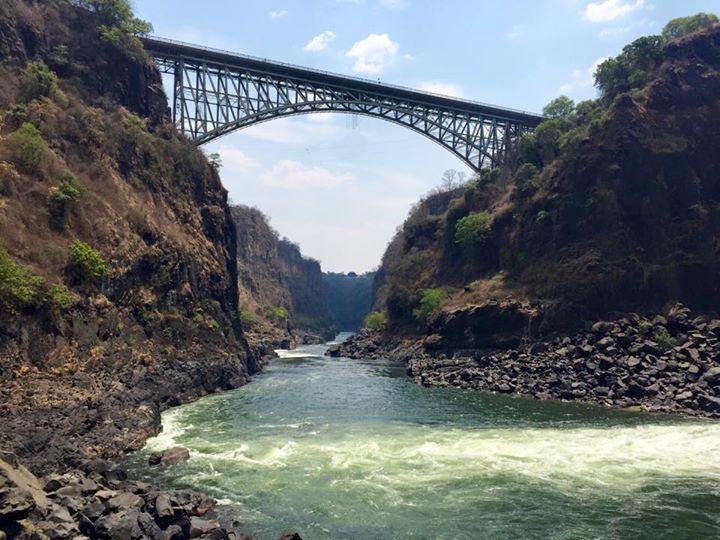 Puente sobre las Cataratas Victoria