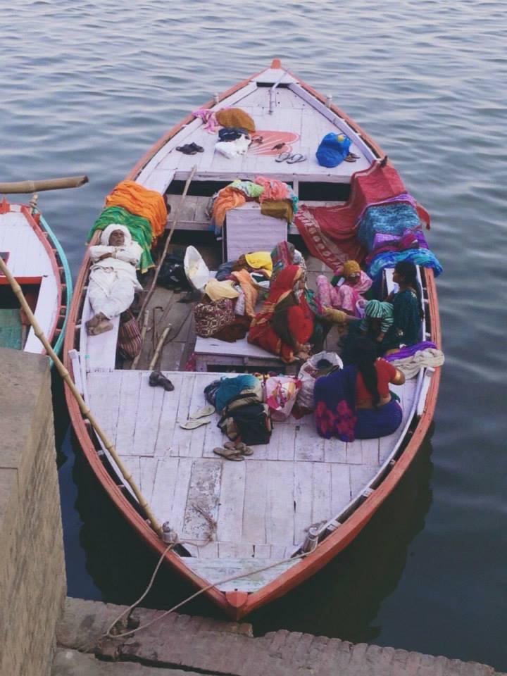 La vida en el río Ganges. Varanasi, norte de la India
