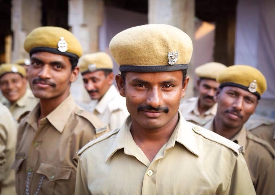 Policias en Hampi, sur de India