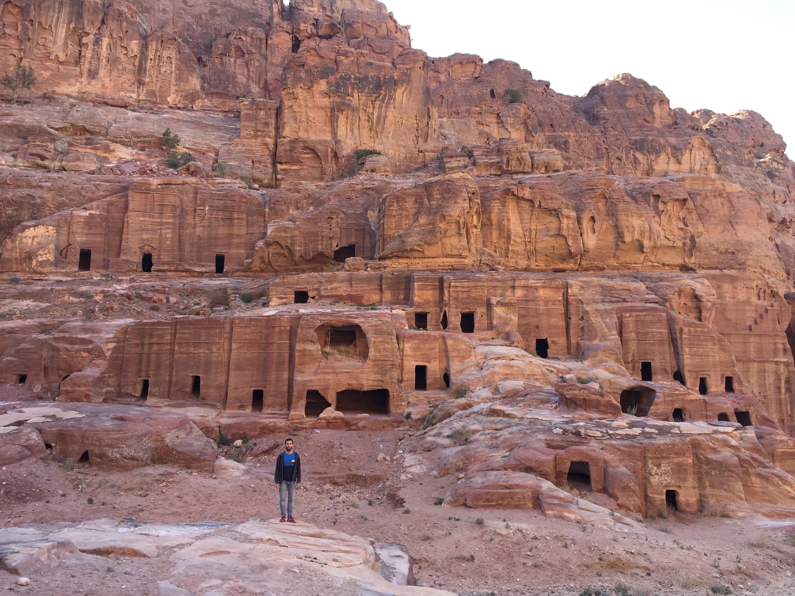 Las cuevas de Petra, antiguo hogar de los Nabateos