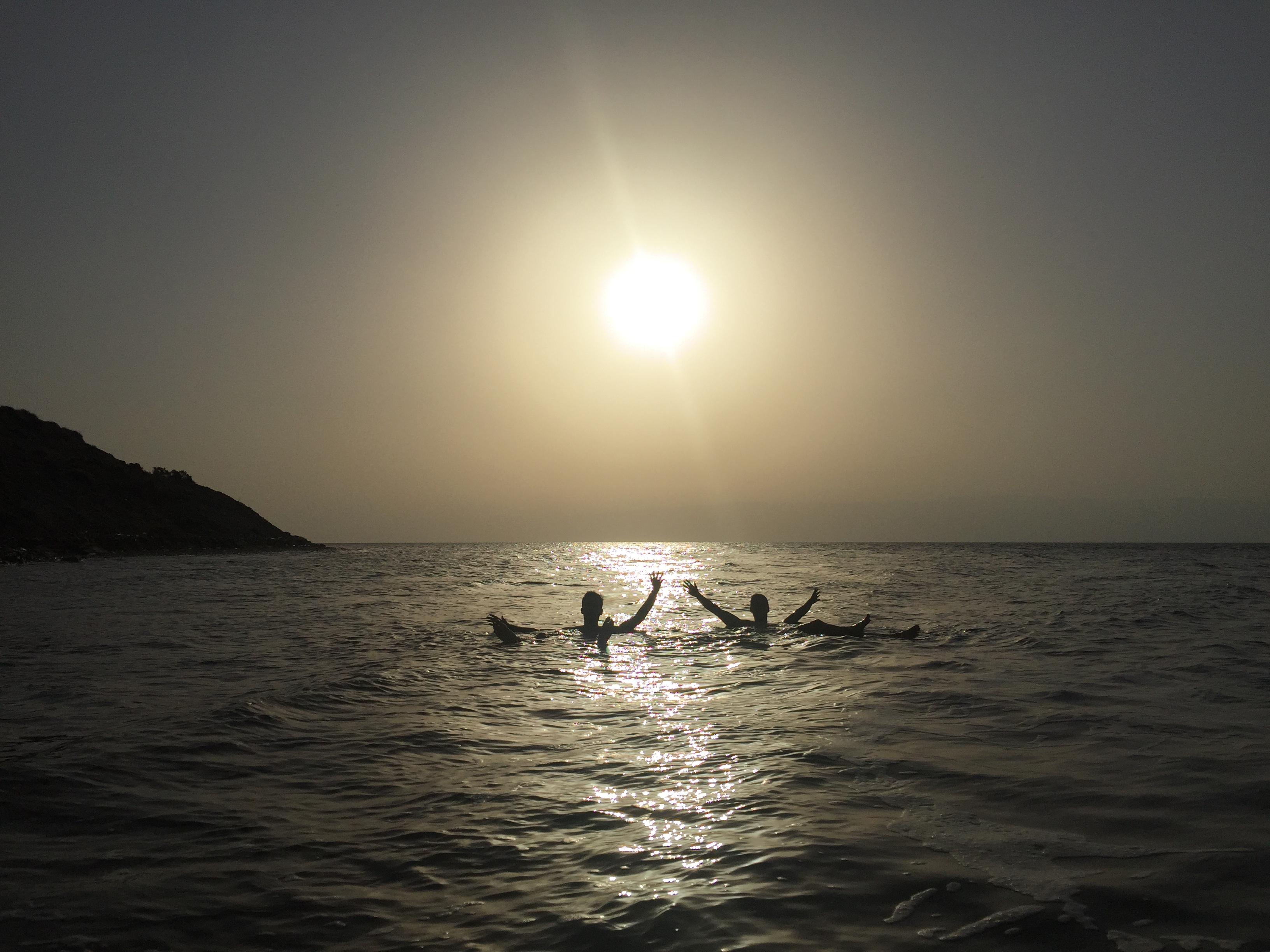 Bañarse en el Mar Muerto Gratis (Jordania)