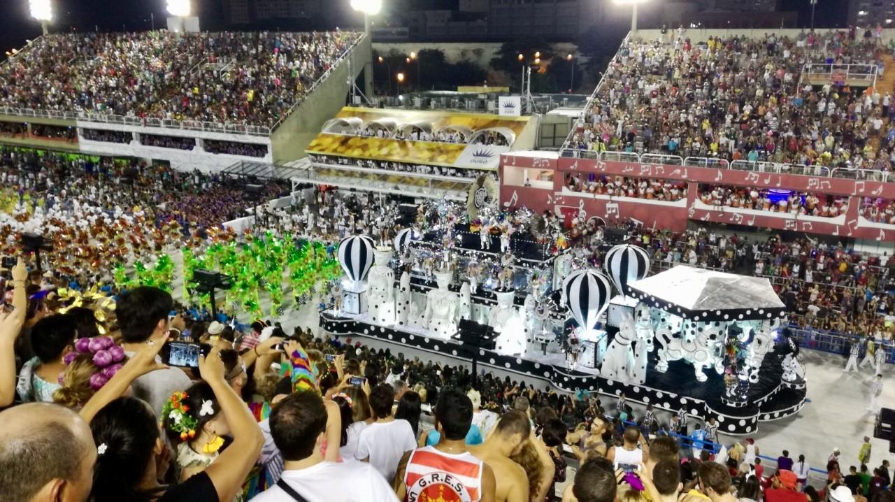 Desfile en el Sambódromo de Rio durante el Carnaval de Rio de Janeiro