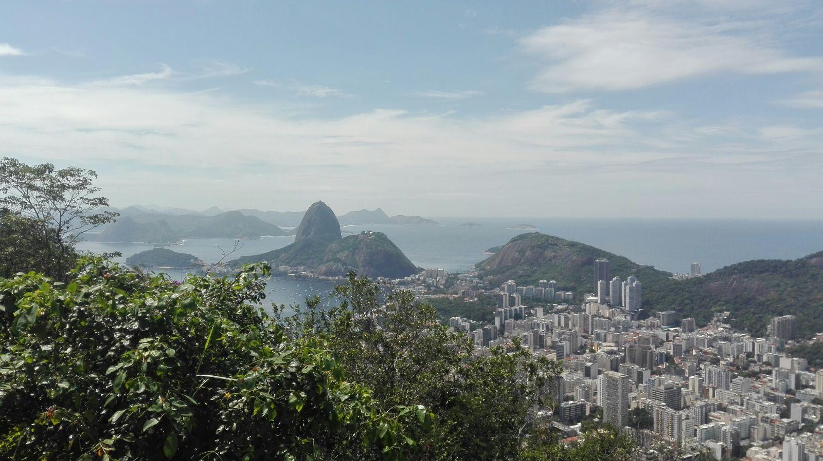 Cómo subir al Cristo Redentor del Corcovado. Vista de Rio de Janeiro desde el mirador de Santa Marta, con el Pão de Açucar al fondo