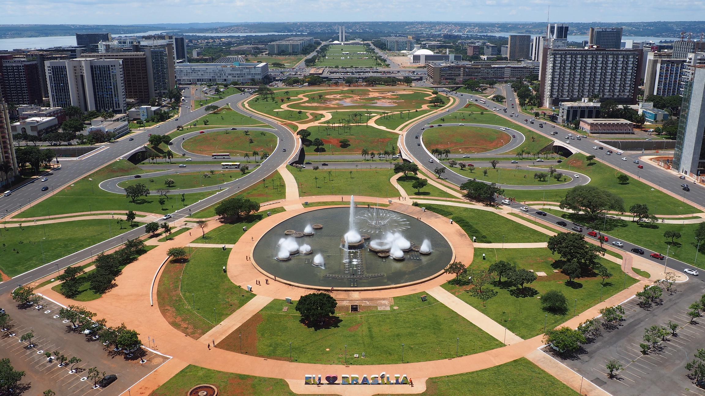 Qué ver en Brasilia; la vista panorámica del Eje Monumental de Brasilia