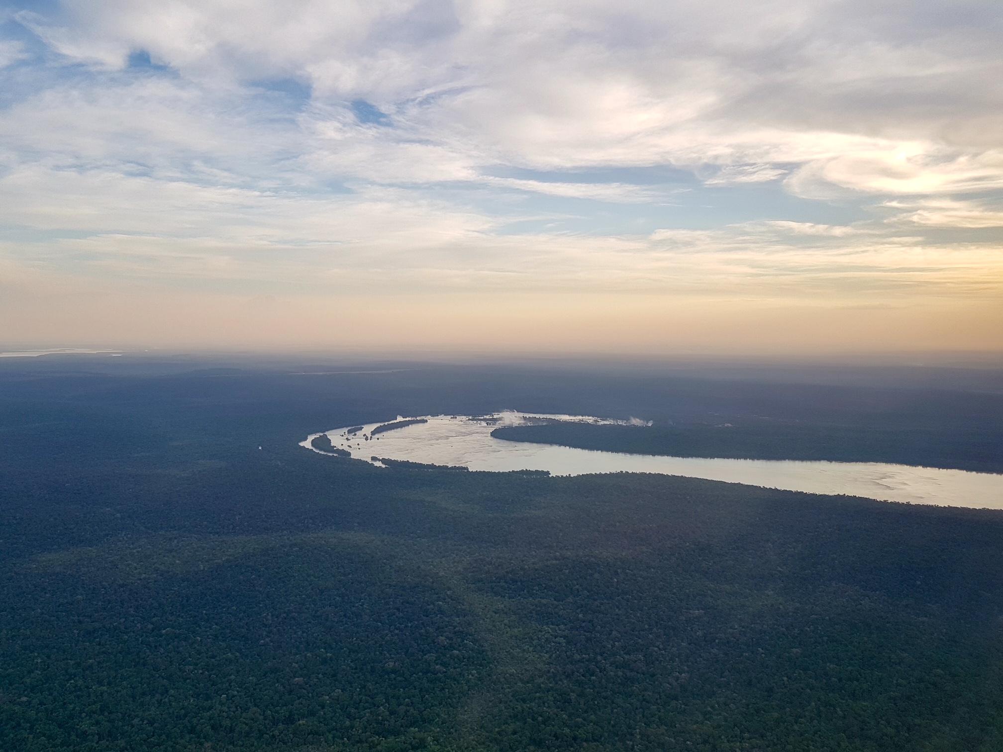 Visitar las Cataratas del Iguazú, vista de las Cataratas desde el avión
