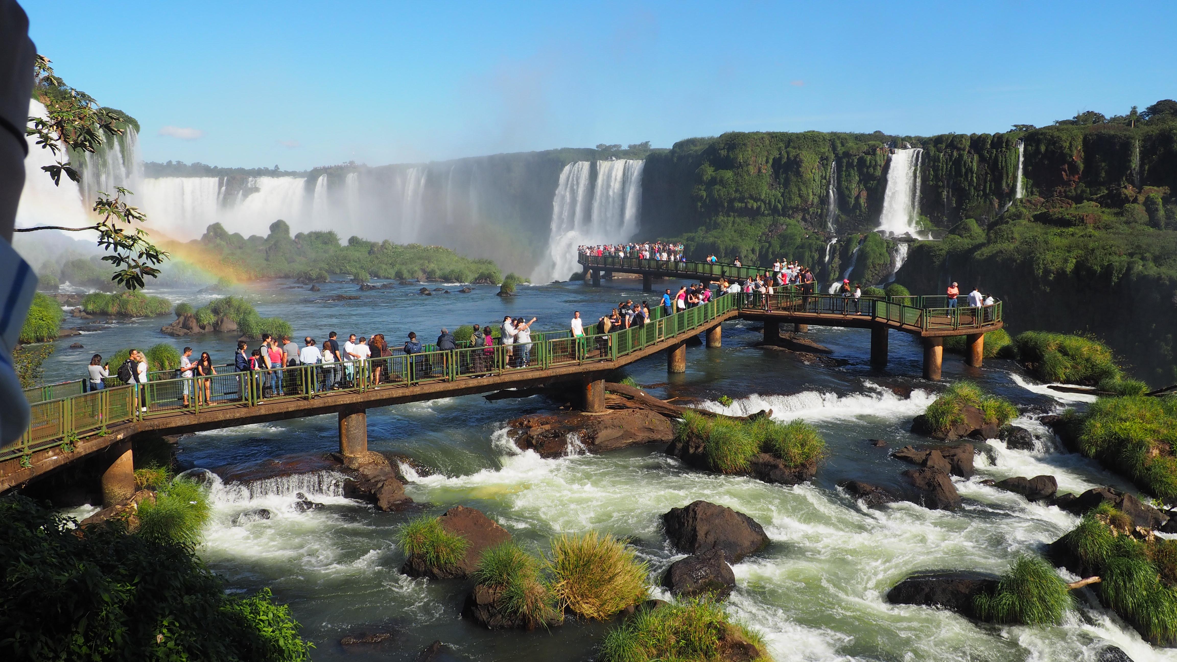 Pasarela en el lado brasileño de las Cataratas de Iguazú