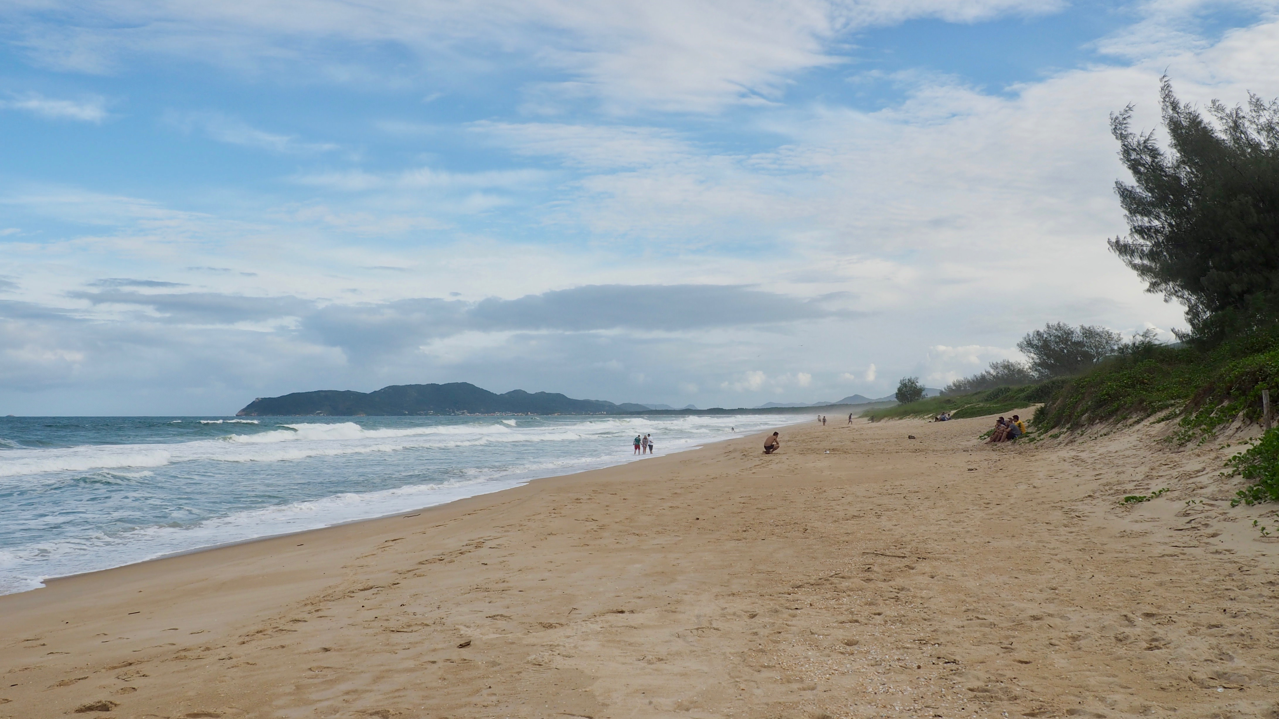 Playa de Mozambique, una de las mejores playas de Florianópolis