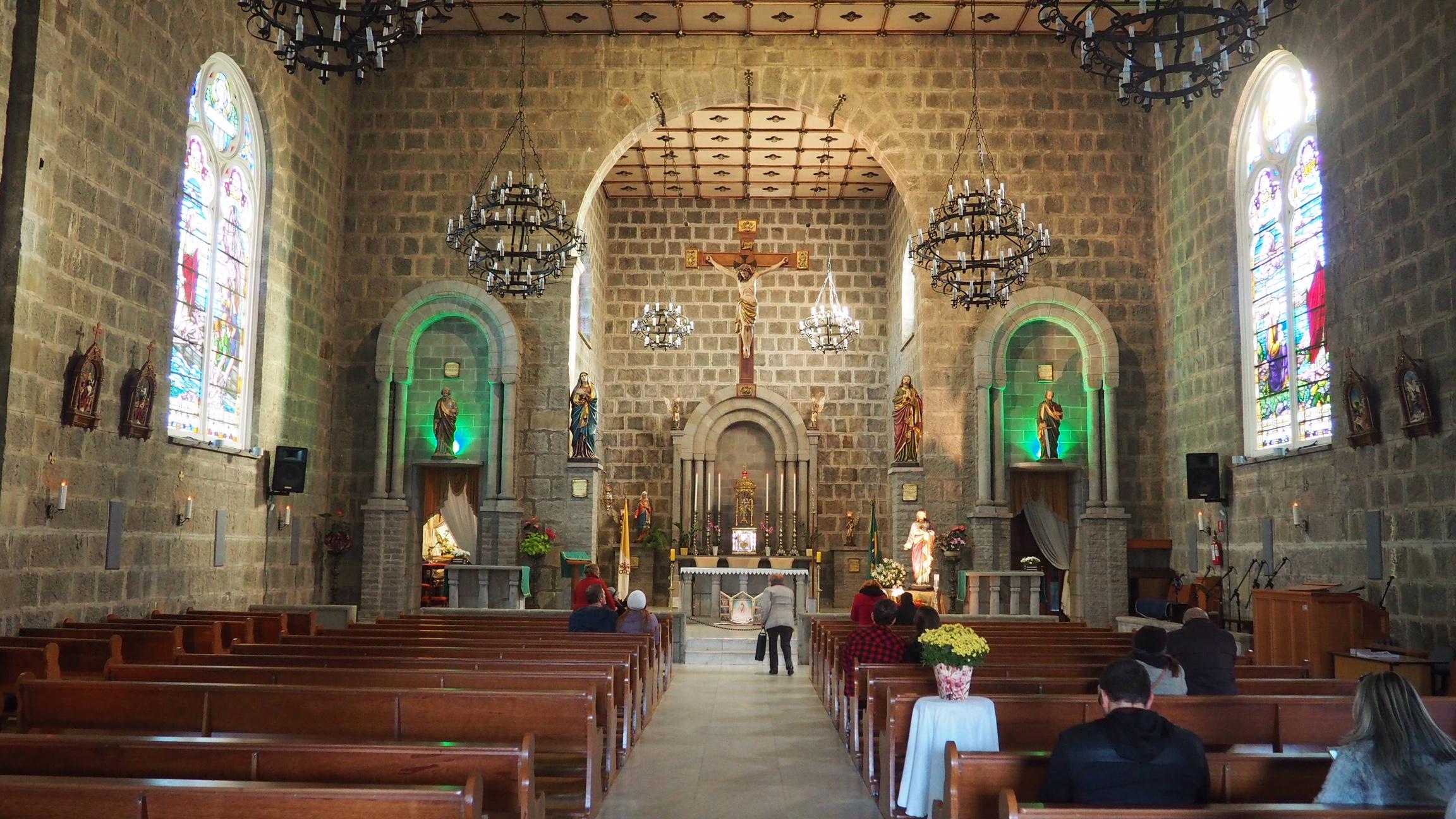 Interior de la iglesia de Gramado. Una de las cosas que ver en Gramado