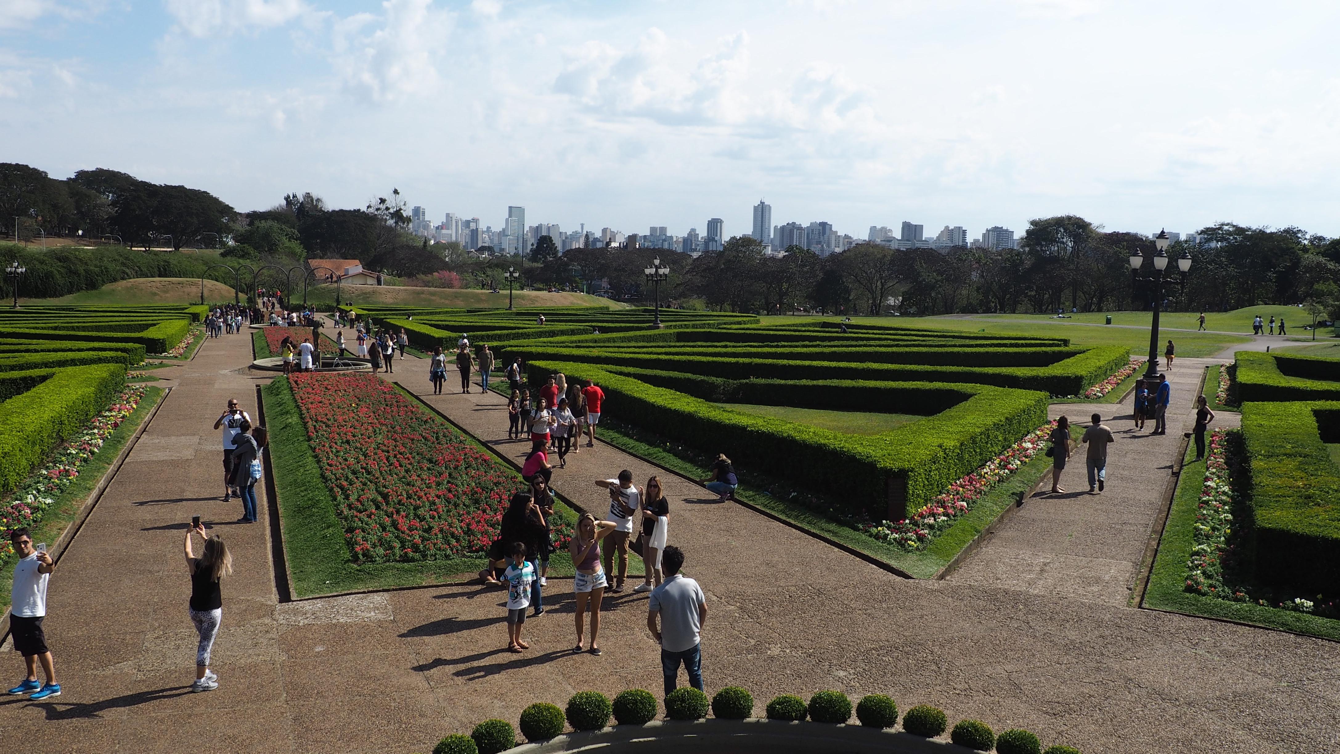 Los jardines del Jardín Botánico de Curitiba. Inspirados en los jardines de Versalles.