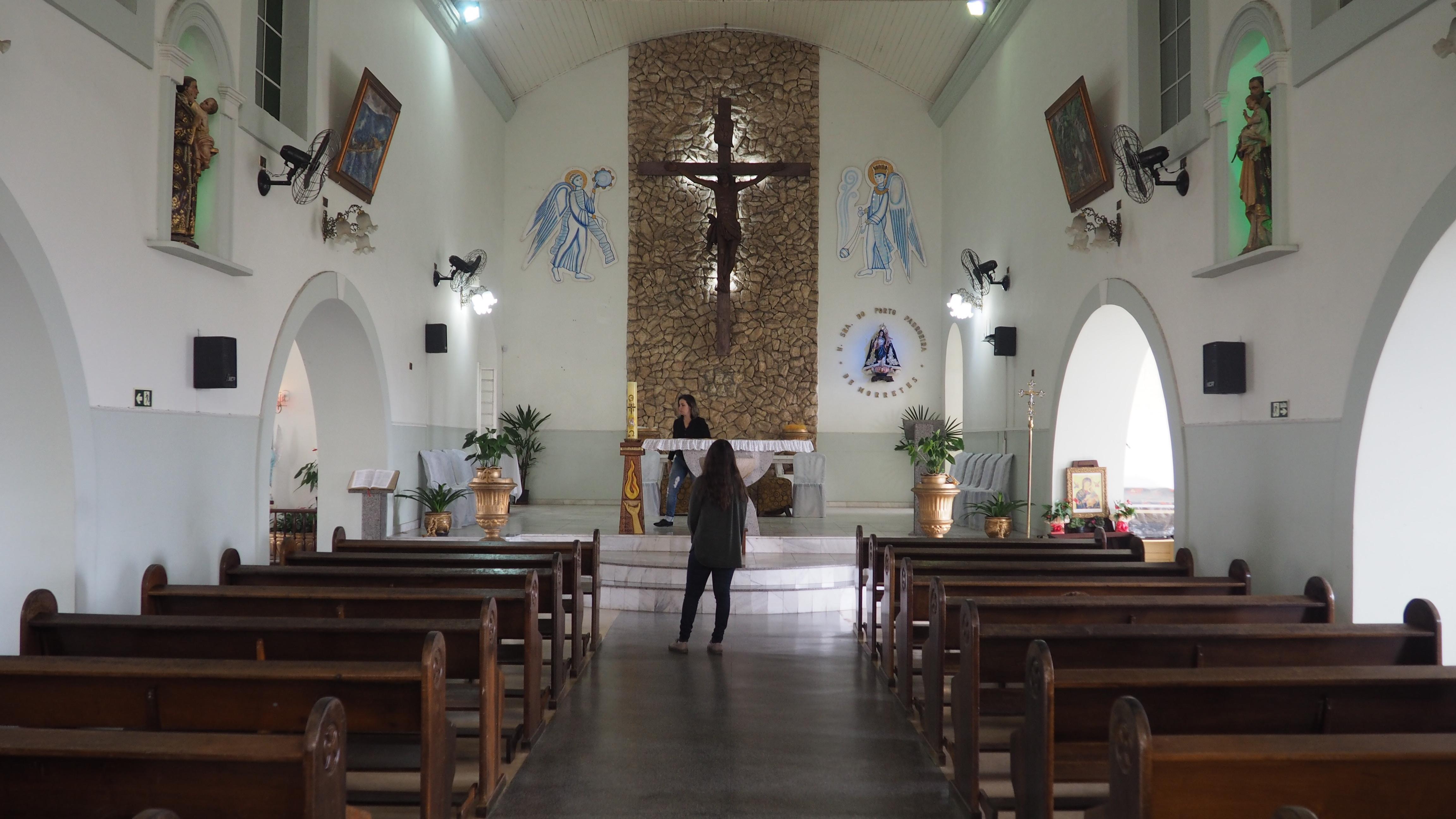 Interior de la iglesia de Morretes
