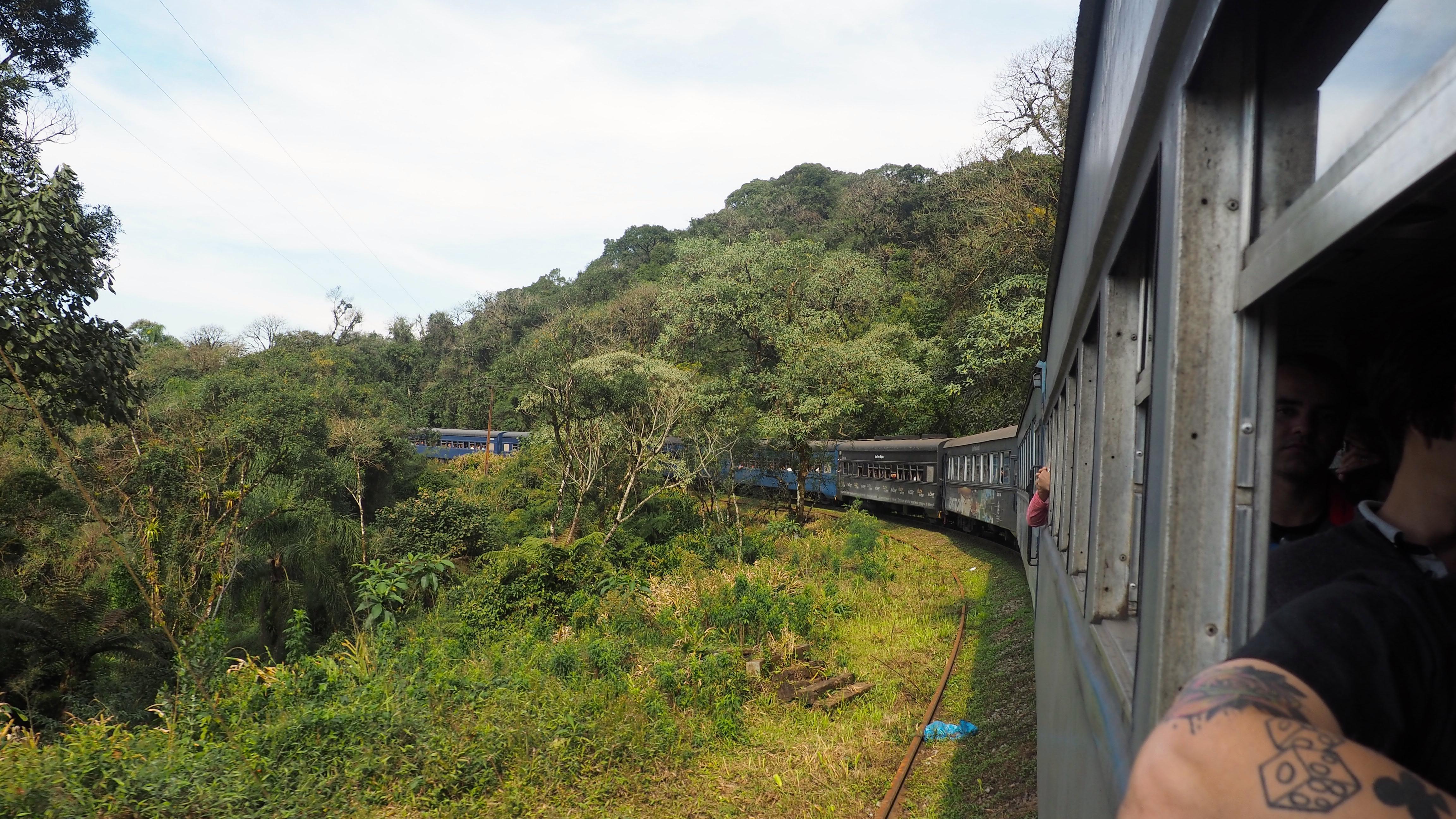 Tomar el Serra Verde Express; es una de las mejores cosas que hacer en Curitiba