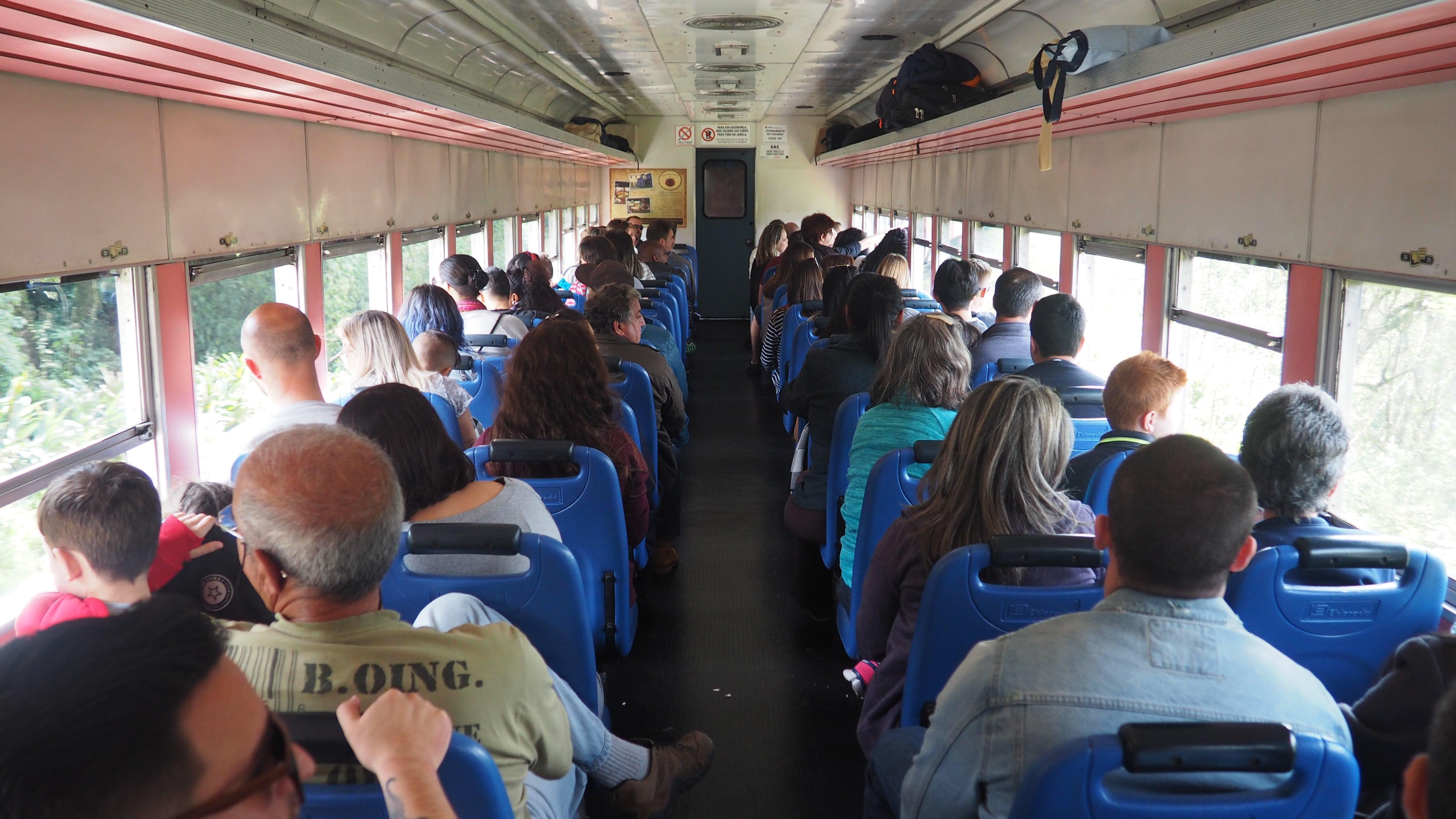 Serra Verde Express, interior del vagón de Clase Turística