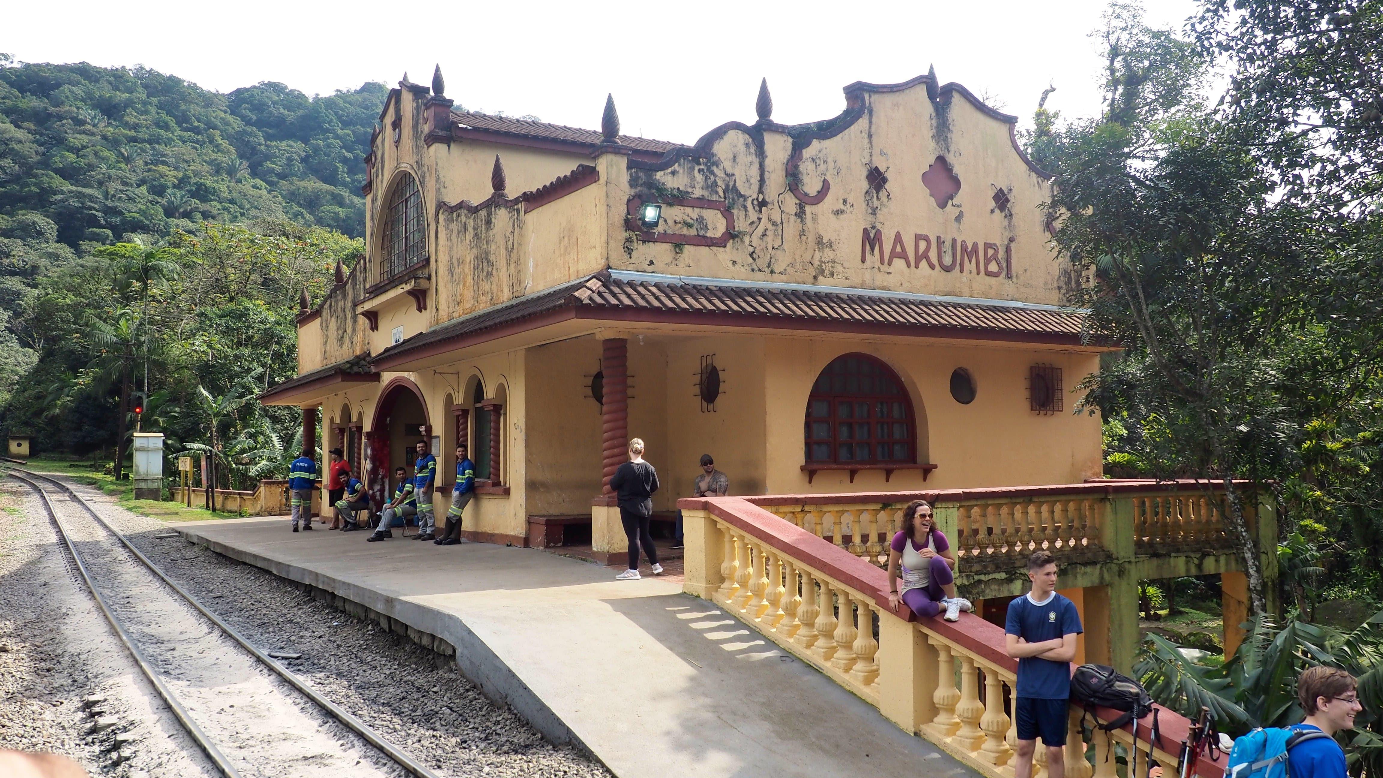 """Estación """"Marumbi"""", punto de partida del sendero que lleva a la cumbre del monte Marumbi"""