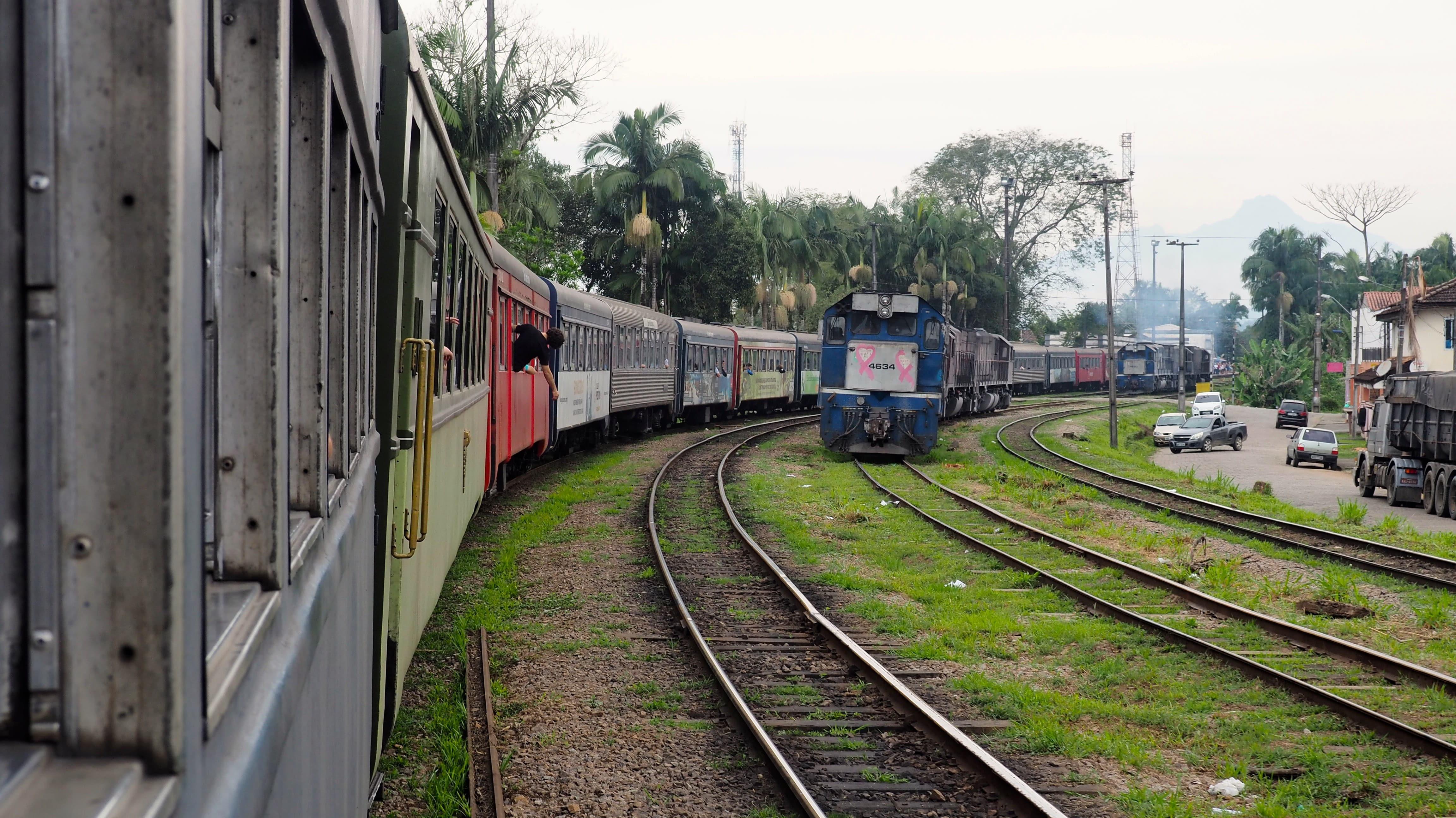 Llegada a Morretes del Tren Serra Verde Express