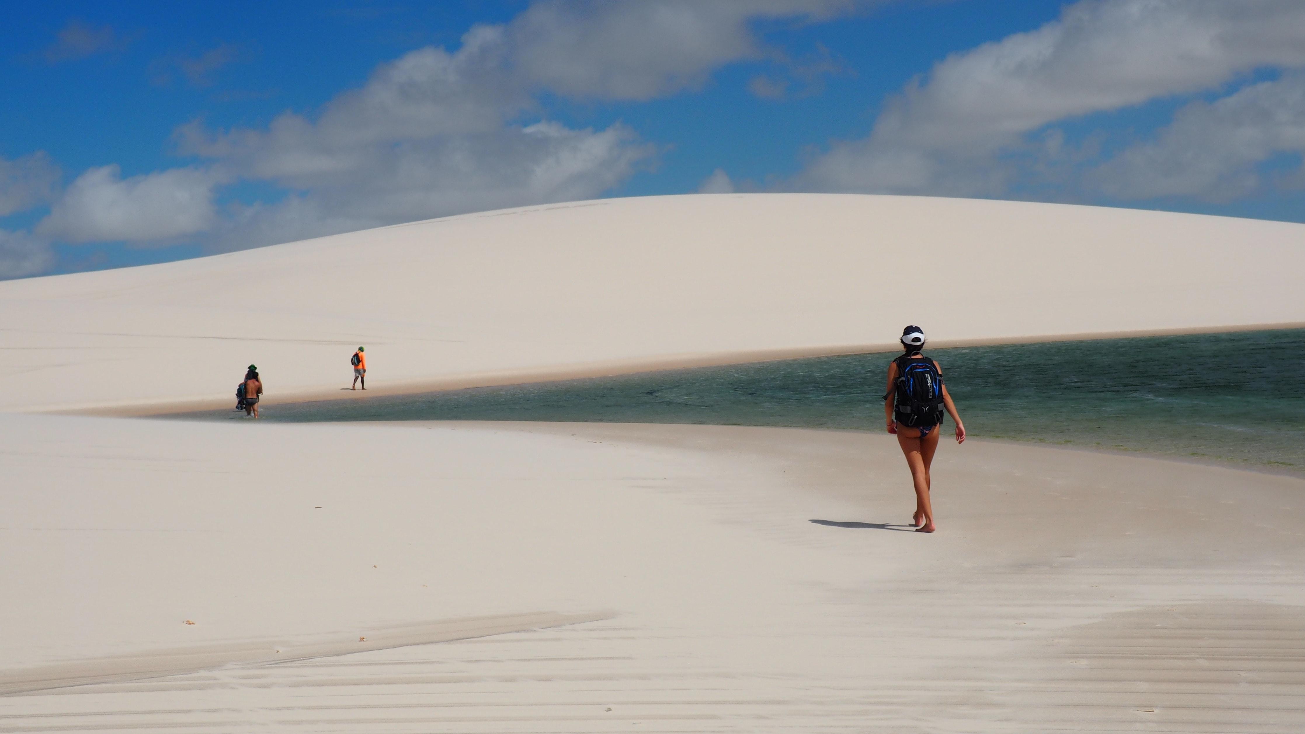 Caminando entre lagos y dunas en el Parque Nacional de Lençois Maranhenses