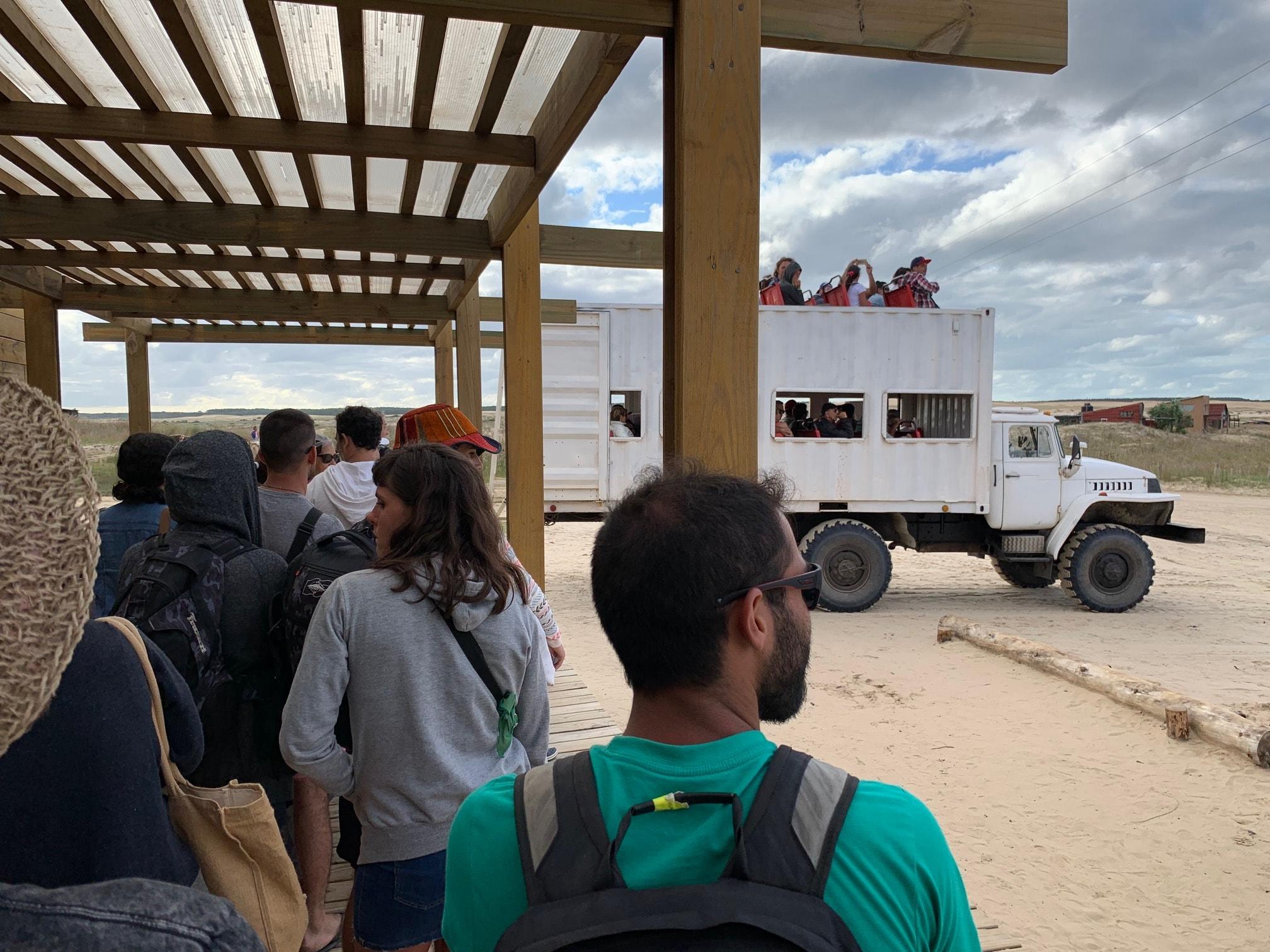 ¿Cómo llegar a Cabo Polonio? En camiones desde la Terminal de Cabo Polonio
