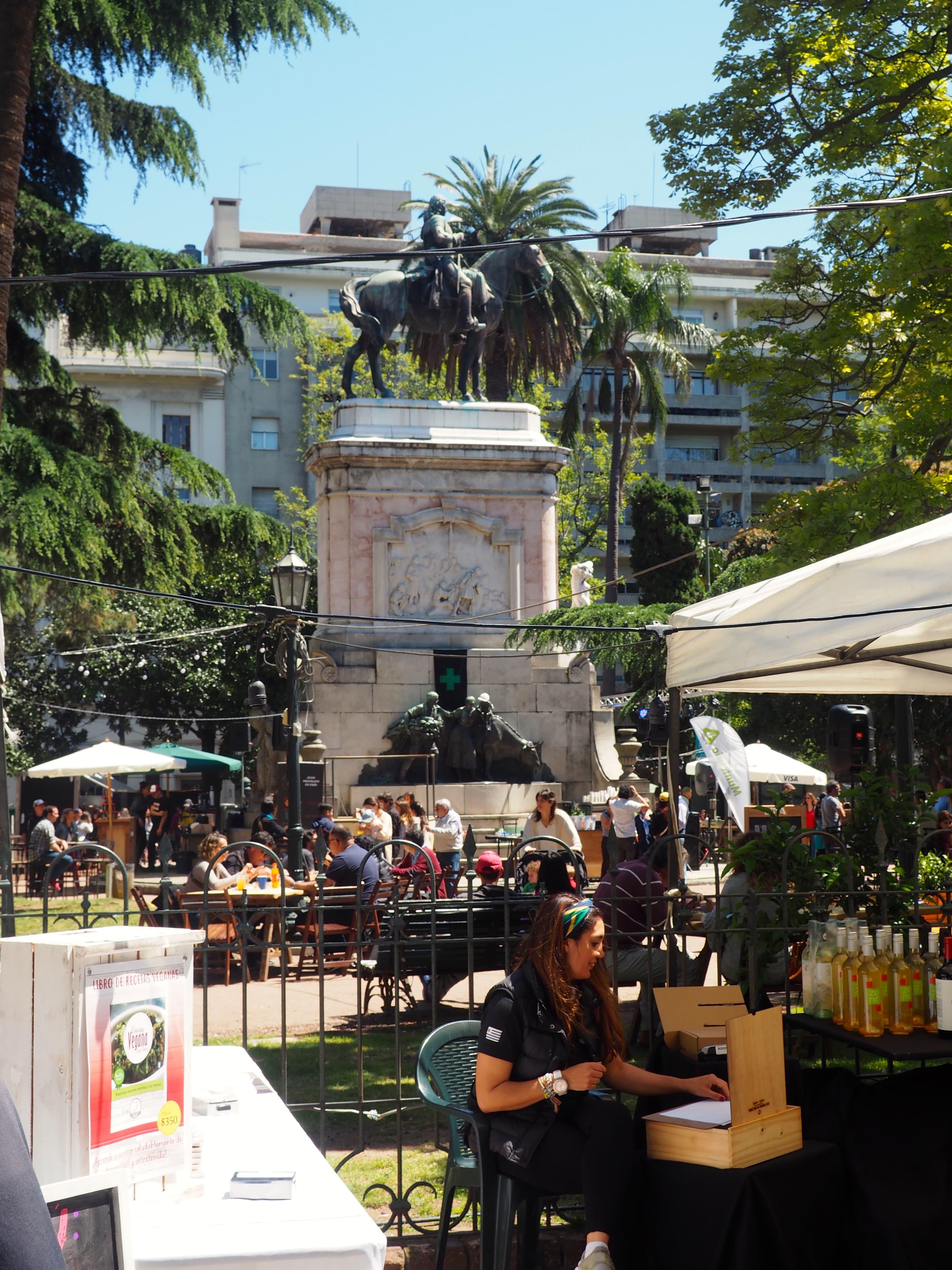 Mercado de la Plaza Zabala de Montevideo