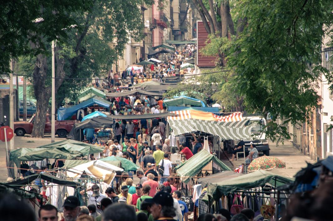 Mercado Tristán Narvaja, todos los domingos en el barrio Cordón