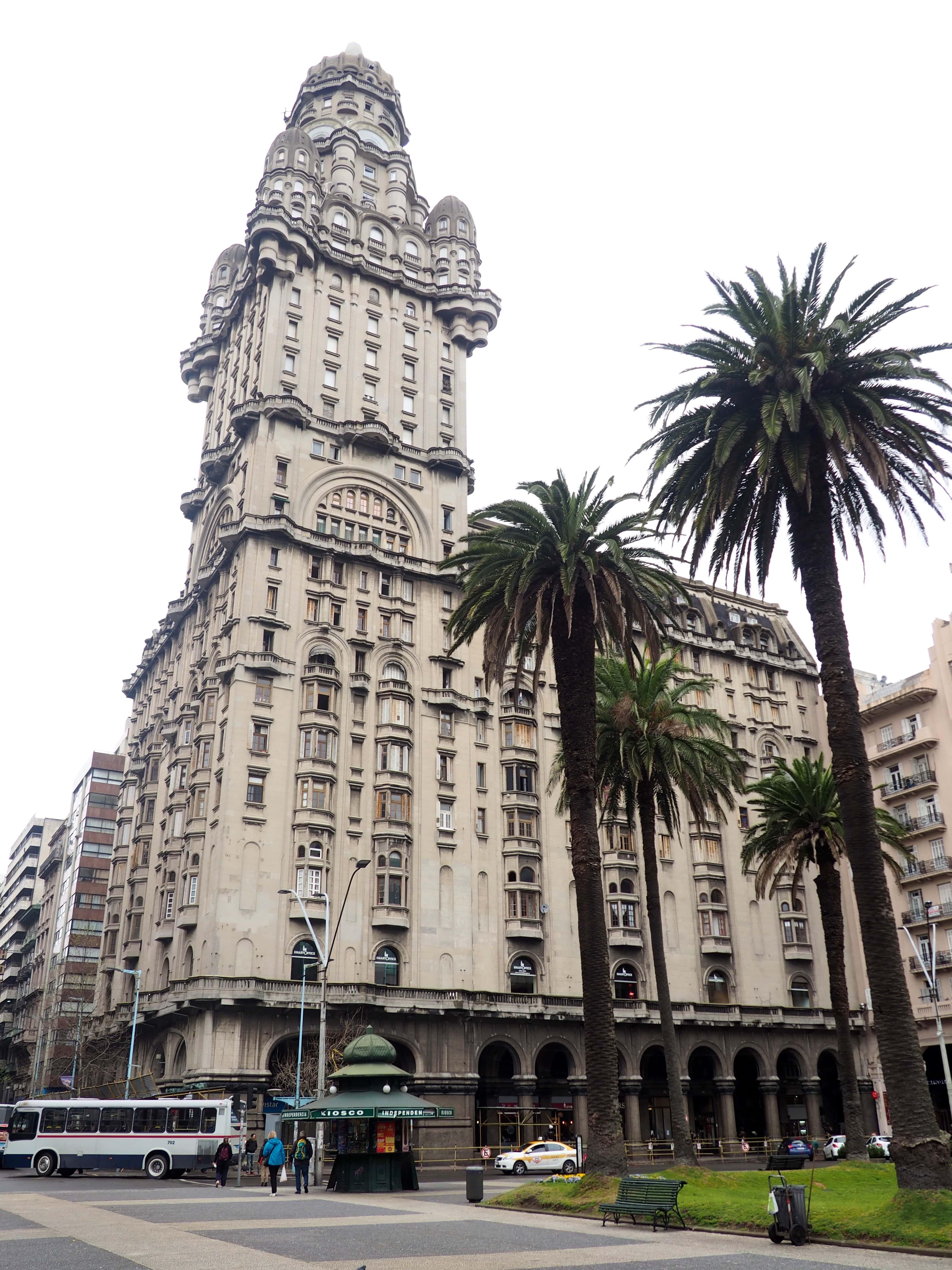 El Palacio Salvo, la mejor cosa que ver en Montevideo