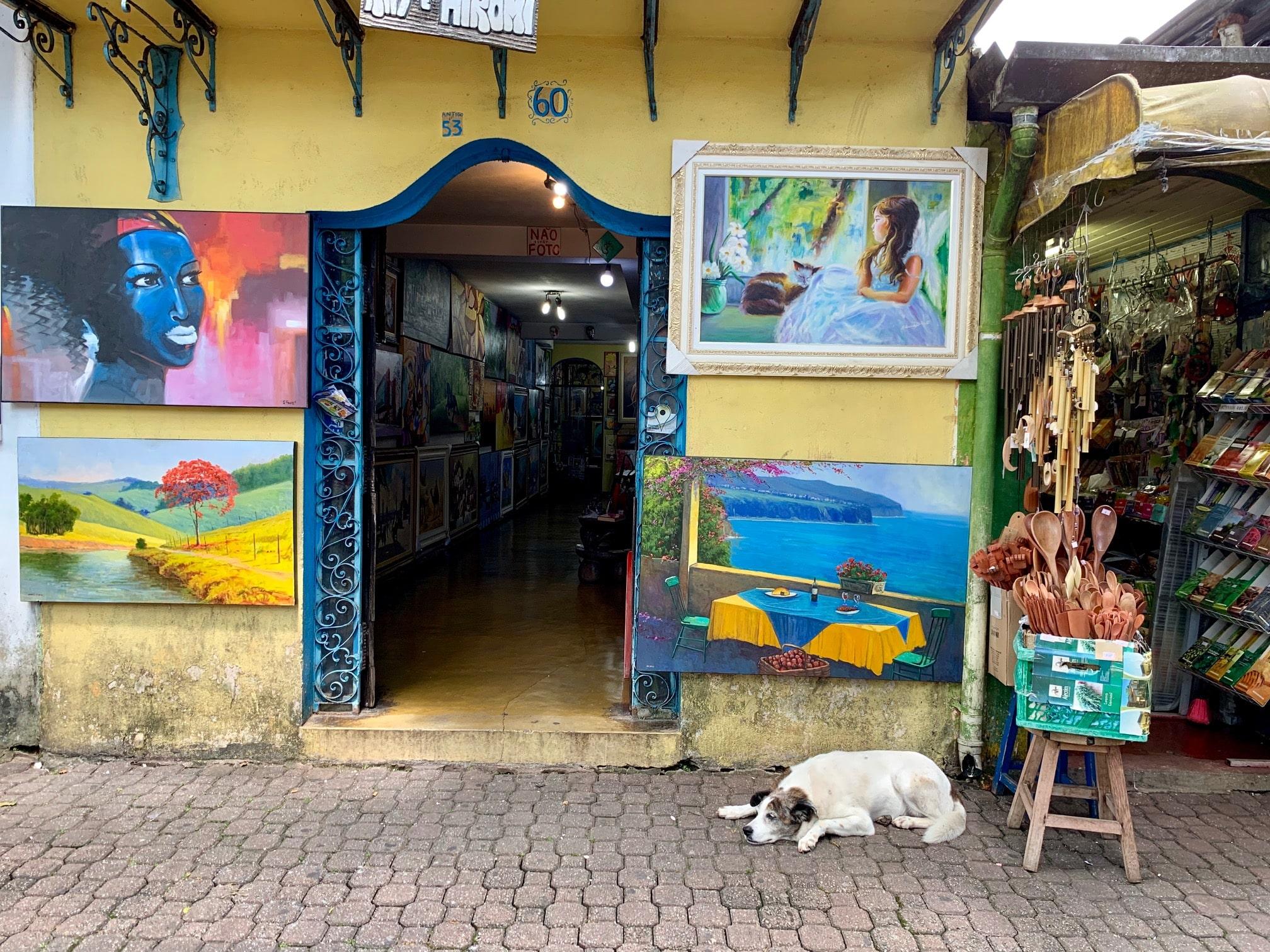 Tiendas de artesanía en Embu