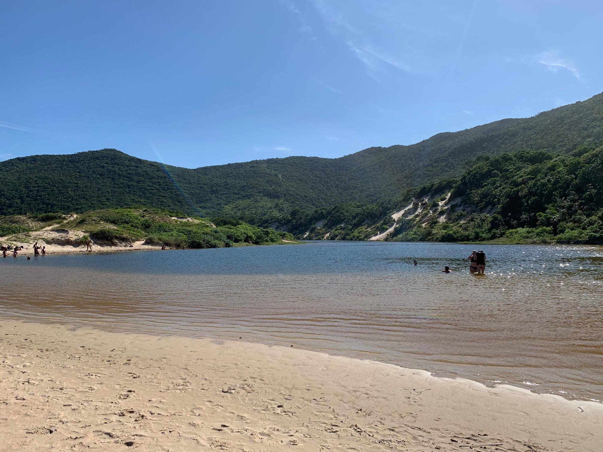 Lago de playa Lagoinha do Leste (Brasil)