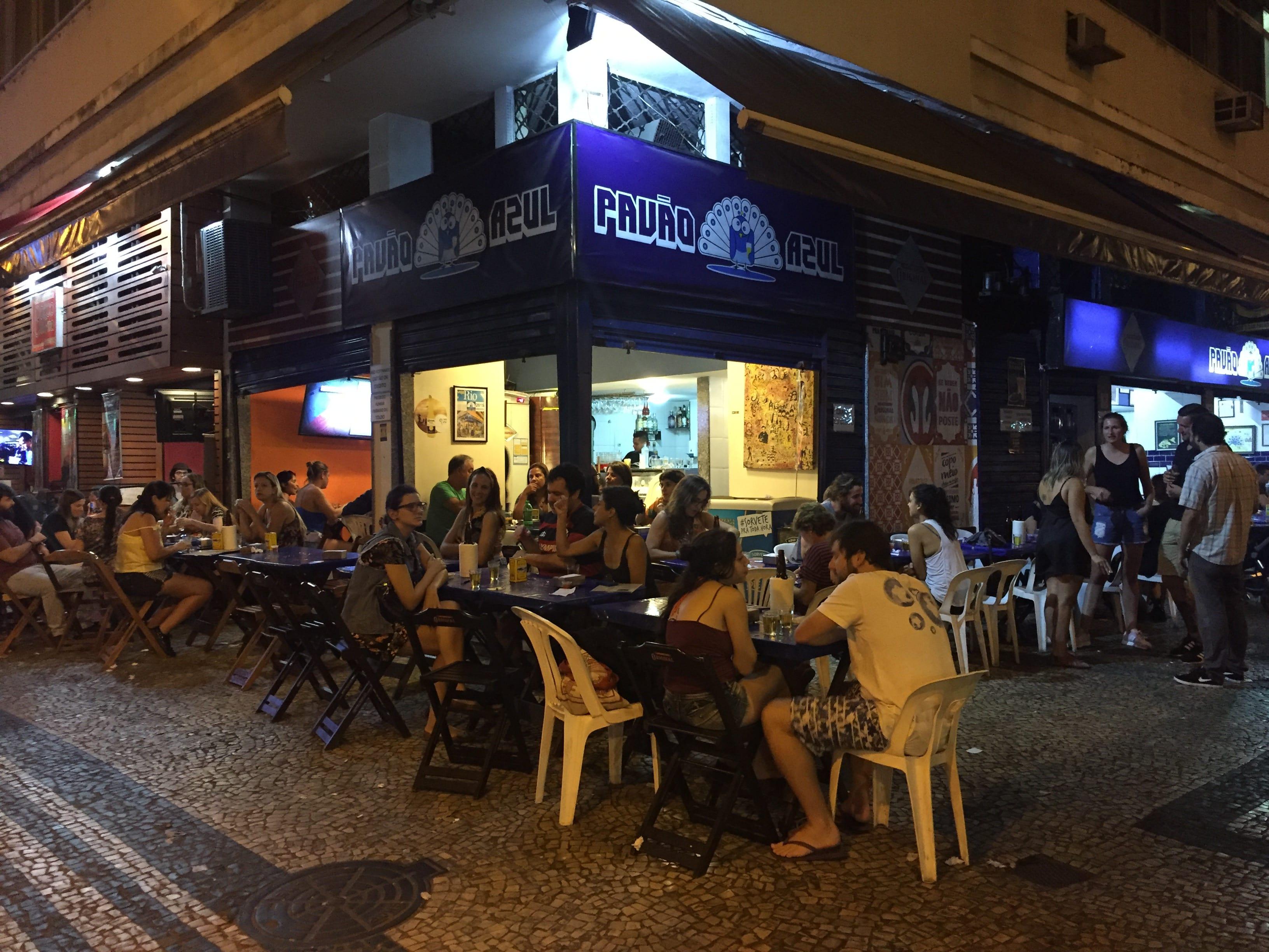 Pavao Azul, comida 100% carioca