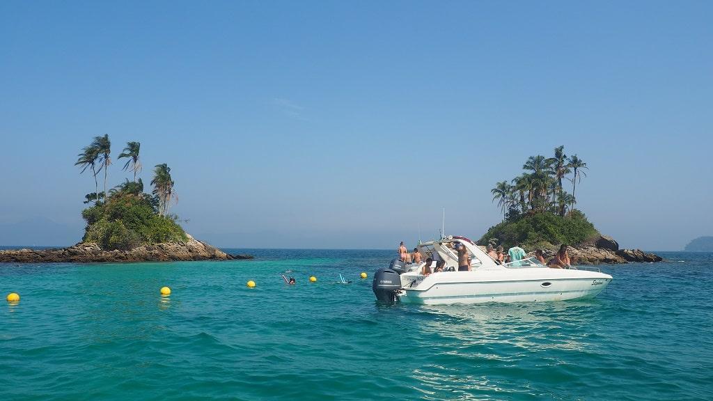 ¿Qué hacer en Brasil en 10 días? Paseo en barco por Ilha Grande