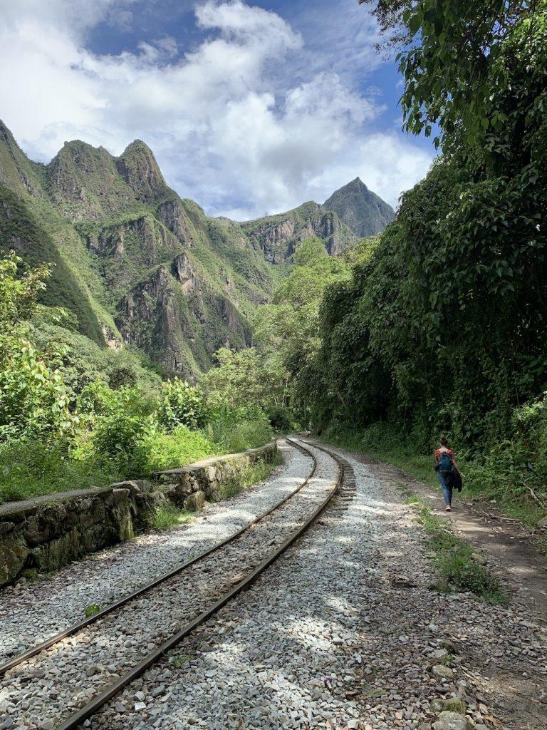 Cómo llegar a Machu Picchu en bus. Ruta Cusco - Hidroeléctrica - Aguas Calientes.