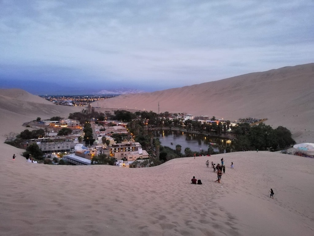 Oasis de Huacachina (Ica, Perú)