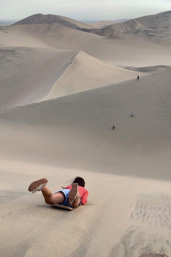 Sandboard en Huacachina (desierto de Ica)