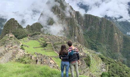 Cómo llegar a Machu Picchu en tren, en bus o a pie desde Cusco o desde Lima barato