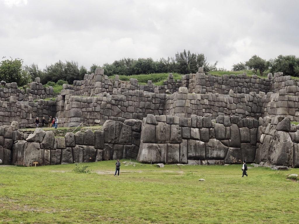 Fortaleza de Sacsayhuamán en los alrededores de Cuzco