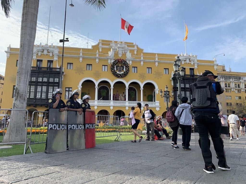 La Plaza de Armas, el principal atractivo turístico que ver en el centro de Lima