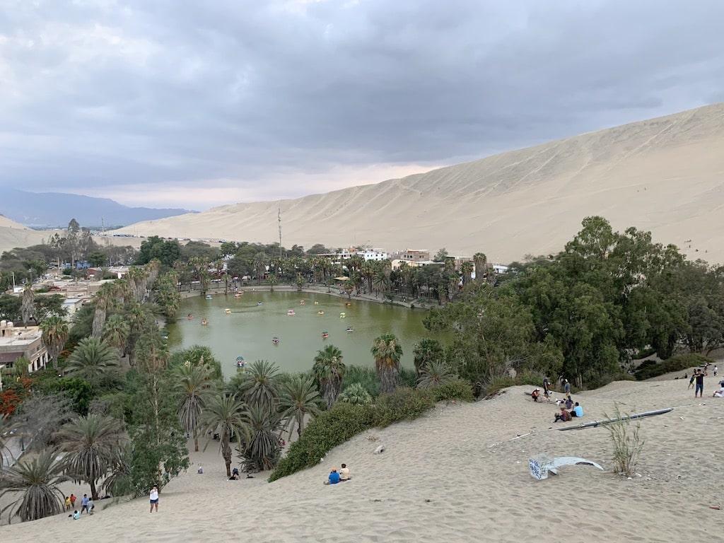 Oasis de Huacachina, uno de los mejores lugares que visitar en Perú
