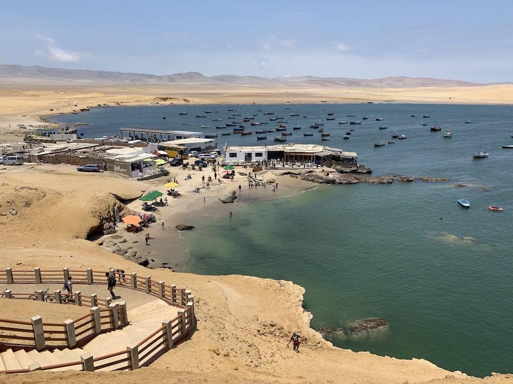 Playas en Paracas (litoral peruano)