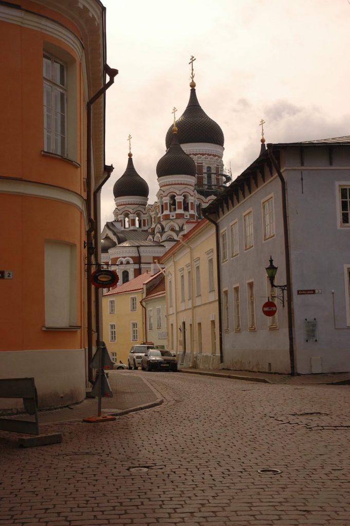Catedral Ortodoxa Alexander Nevski en el barrio Toompea de Tallin