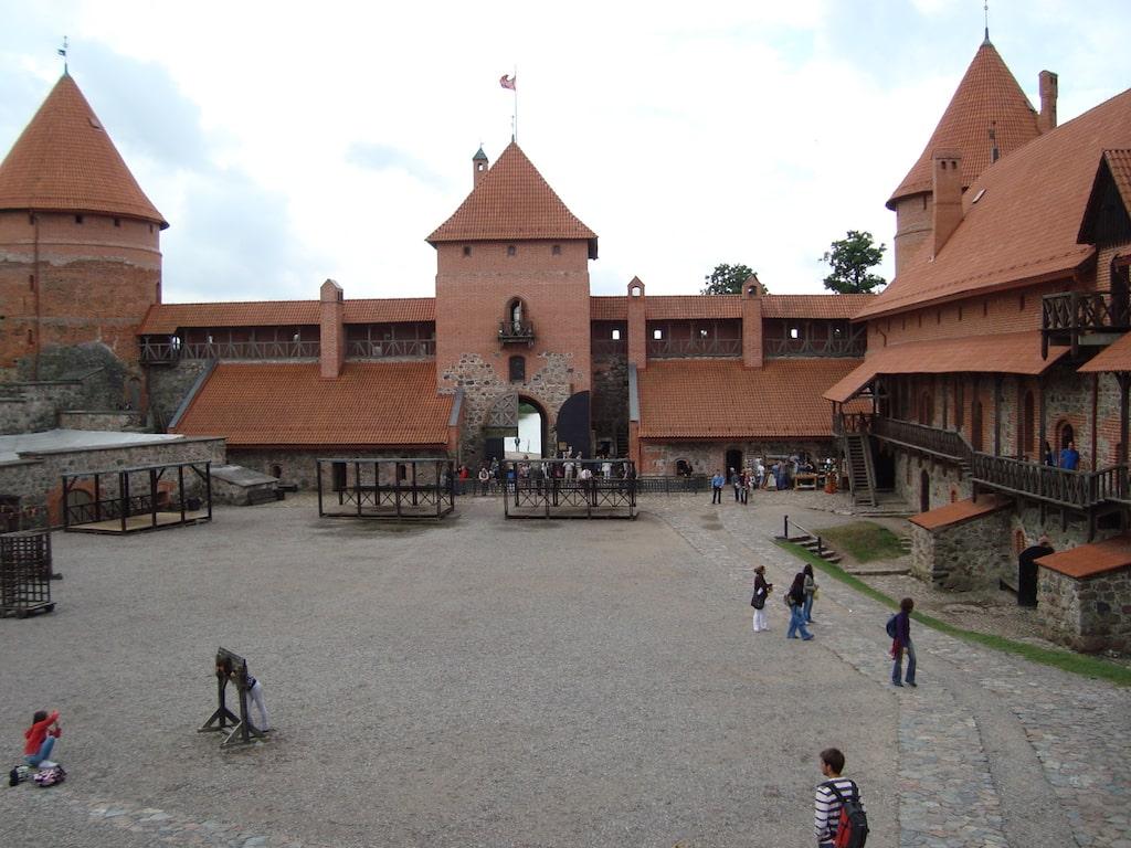 Castillo de Trakai desde dentro