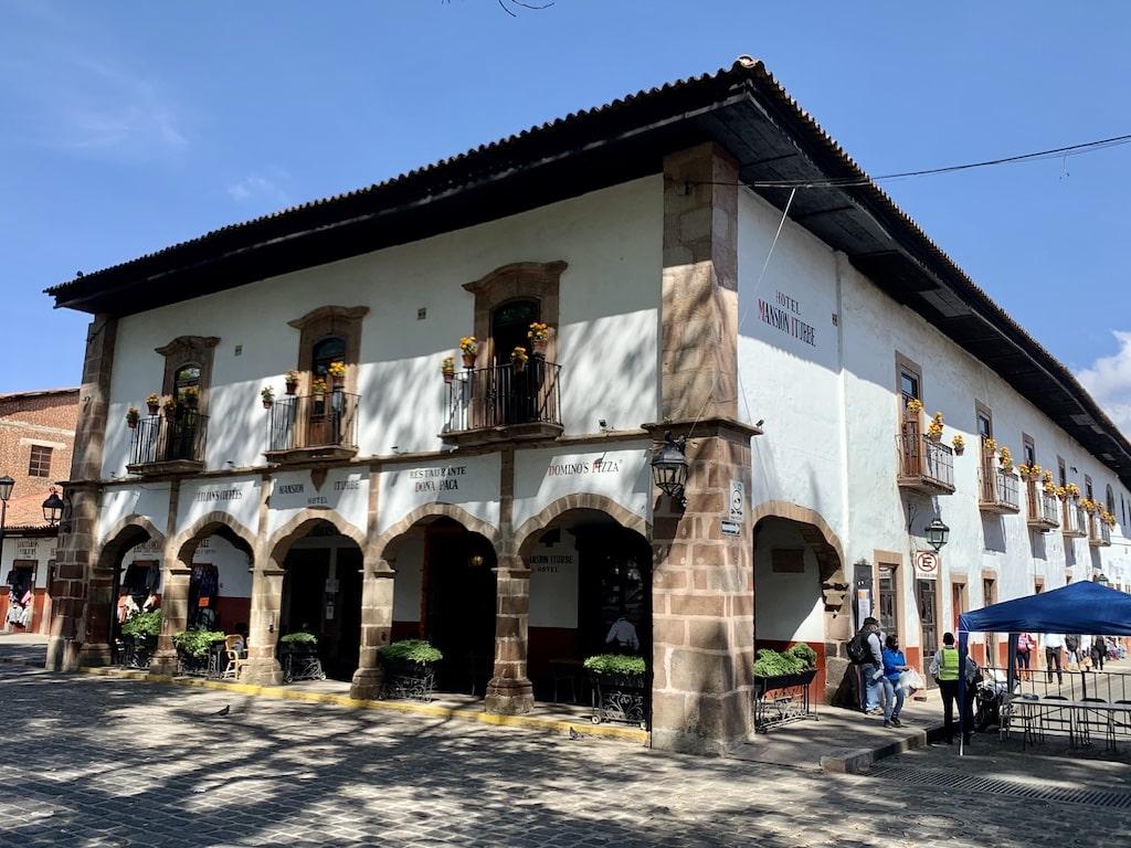 Mansión Iturbe en la plaza Vasco de Quiroga