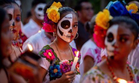 Lago Pátzcuaro en Día de Muertos (Michoacán). Isla Janitzio, Tzintzuntzan, Santa Fe de la Laguna. Fecha Día de Muertos y actividades.
